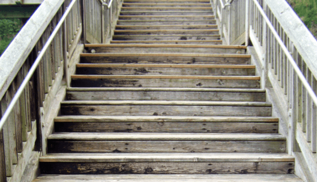 wooden stairs that are good for running or walking for fitness